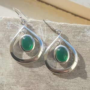 Celtic Loop Green Onyx Agate Earrings